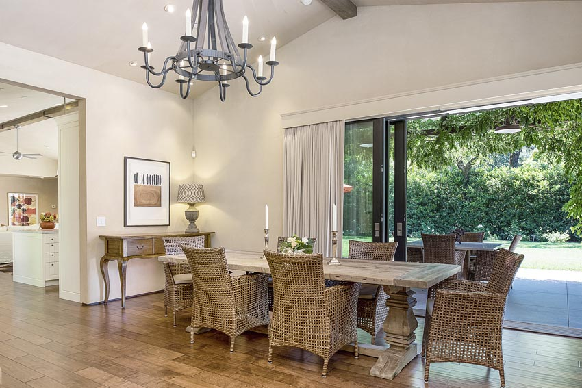 Dining room and outdoor view