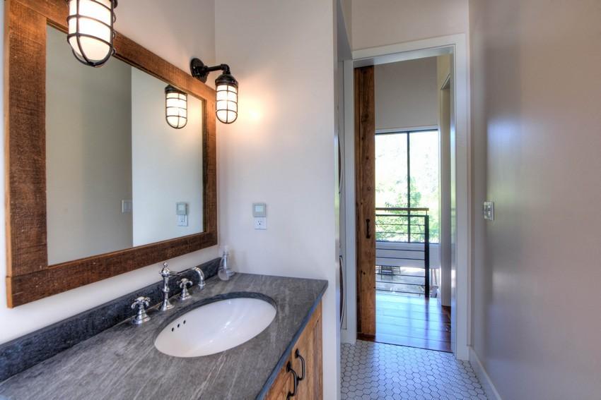 355-crystal-springs-road-guest-washroom