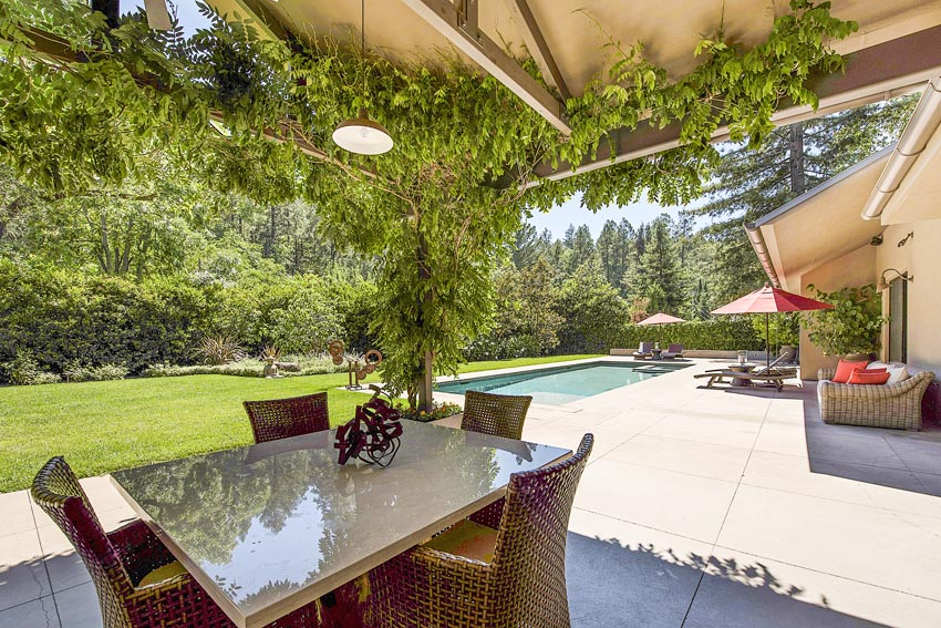 Outdoor dining area and pool