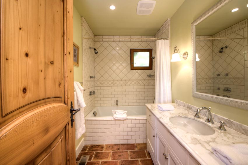 2110 Diamond Mountain Road Guest house bathroom