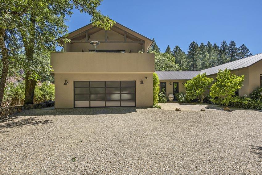 478 Elmshaven Road St Helena above garage