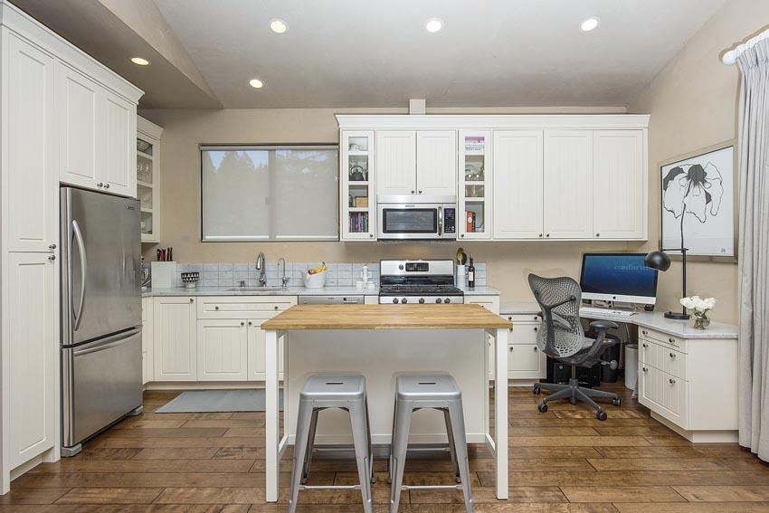 478 Elmshaven Road St Helena apartment kitchen