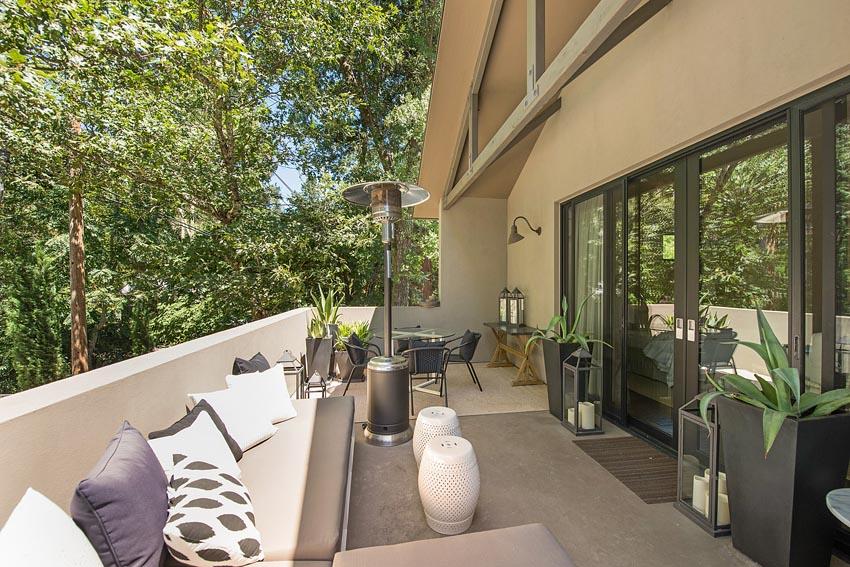478 Elmshaven Road St Helena apartment sundeck view 2