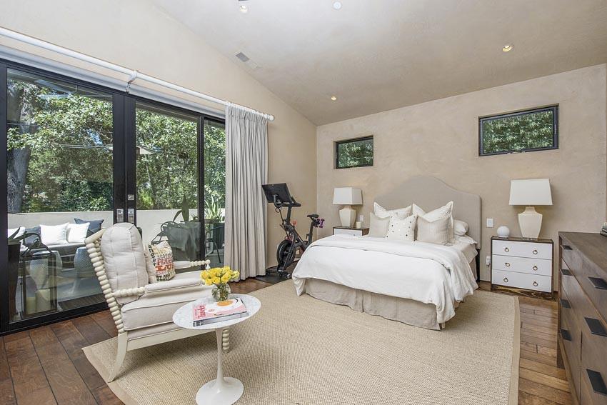 478 Elmshaven Road St Helena apartment bedroom