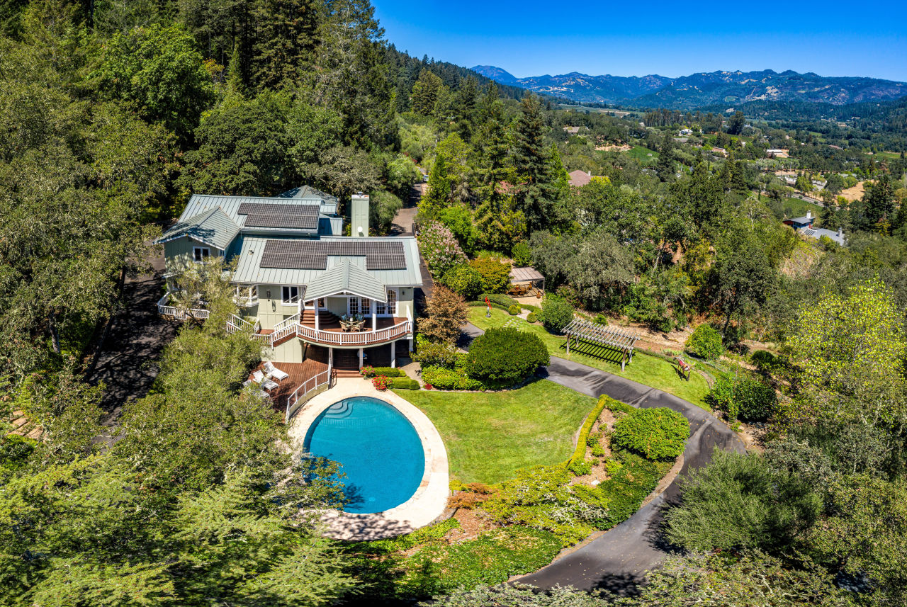 1295 Rockland Dr daytime aerial view